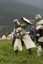 S¸dtirol, Vinschgau, Schluderns, S¸dtiroler Ritterspiele 2013, Turnier: Vollkontakt Schwertkampf,
