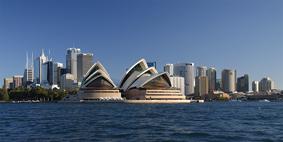 Sydney_opera_house_and_skyline copia