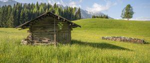 In Trentino, a Mezzano di Primiero: dove tutto inizia da una sedia rossa…